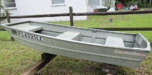 Wanted: 8' foot aluminum jon boat for Sale in Naugatuck, CT