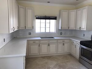 Kitchen Solid Wood Cabinet Quartz Counter tops Warehouse for Sale in Los Angeles, CA