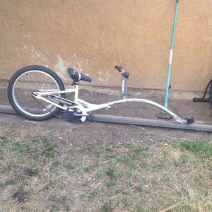 bicycle trailer for Sale in Moreno Valley, CA