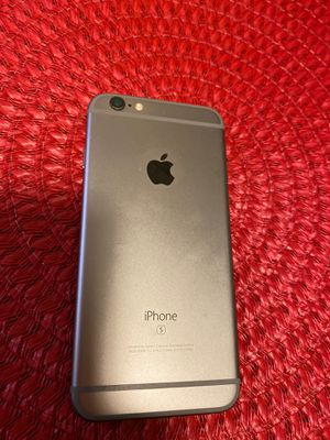 iPhone 6s , 64 gb, unlocked, perfect shape comes with case and screen protector for Sale in Kittanning, PA
