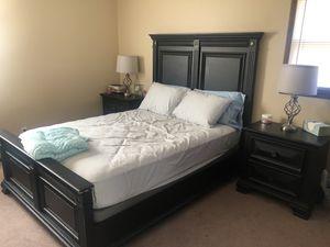 Queen bed set for Sale in Junction City, KS