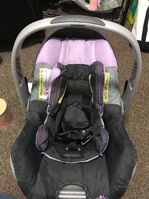 Baby girl car seat for Sale in Niagara Falls, NY