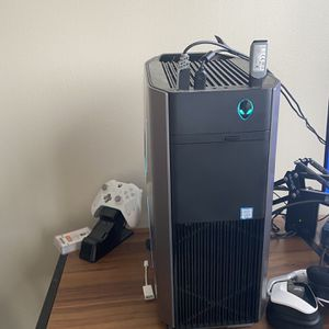 Alienware Aurora R8 for Sale in Seattle, WA