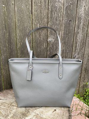 Coach tote top zip for Sale in Arlington, TX