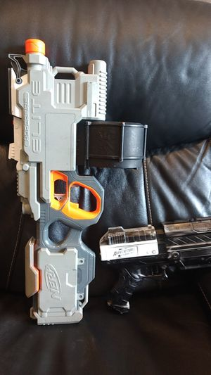 2 working nerf guns 25 for both for Sale in Roselle, IL
