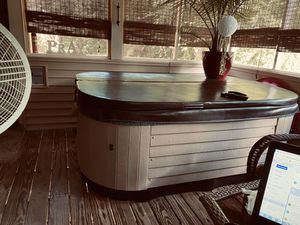 Hot tub for Sale in Rocky Mount, NC