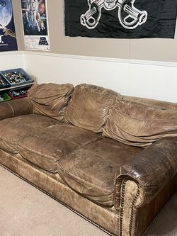 Leather Couch for Sale in Arlington,  WA
