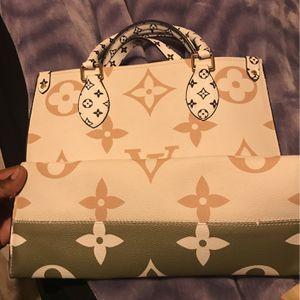 louis vuitton purse for Sale in Oklahoma City, OK