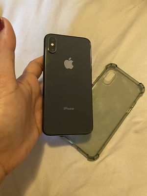 iPhone xs unlocked 64gb for Sale in Los Angeles, CA