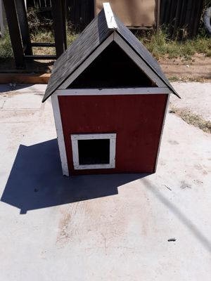 Large cat house or small dog house for Sale in Phoenix, AZ