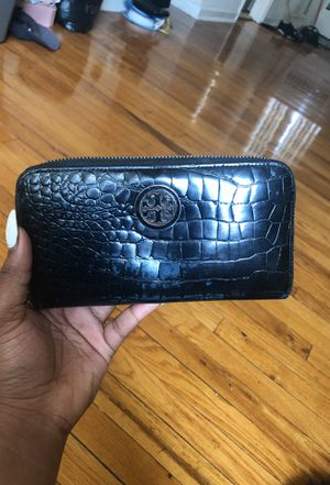 Tory Burch wallet!! for Sale in Mount Rainier, MD