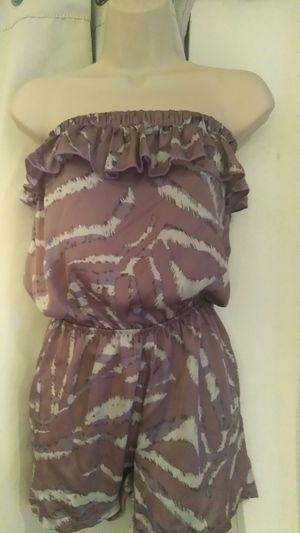 SMALL CLOTHES BUNDLE for Sale in Riverside, CA