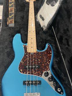 Fender Jazz Bass With Fender Hard Case for Sale in Fort Lauderdale,  FL