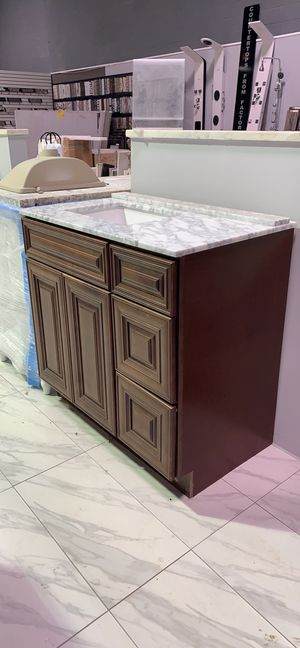 "36"" Solid Wood Single Sink Bathroom Vanity Cabinet with Raised Panel Doors and White Carrara Marble Top for Sale in Fairfax, VA"