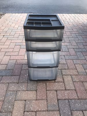 Plastic Drawers with Organizer on top for Sale in Riverview, FL