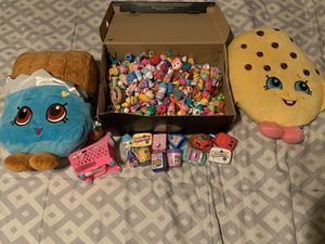 Lot of over 400 Shopkins plus added accessories for Sale in Portland, OR