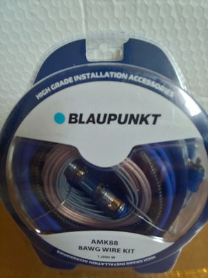Car amplifier installation kit : BLAUPUNKT 8 age wire kit 1000 watts 17 ft blue power, speaker wire OFC rca jack mini ANL 60a fuse for Sale in Santa Ana, CA