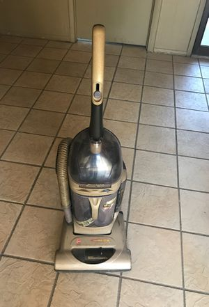 Hoover wind tunnel vacuum very good suction for Sale in Tampa, FL