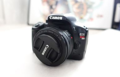 Canon t2i camera package + 50 mm lens for Sale in Alameda,  CA