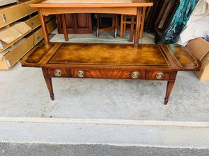 Antique Weiman Heirloom Mahogany Leather Top Inlaid Drop Leaf sides Coffee Table for Sale in Mukilteo, WA