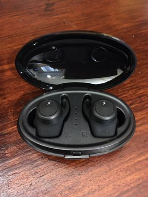 🎼TWS Wireless Earbuds bluetooth 5.0 earphone with Charging box Real wireless Stereo for all smartphones.🎼 for Sale in Pembroke Pines, FL