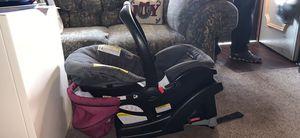 Graco car seat for Sale in Mount Carmel, PA