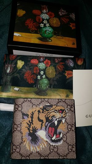 Gucci tiger head wallet for Sale in Jersey City, NJ