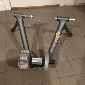 CycleOps Fluid Bike Stand Trainer with Front Wheel Raiser Block for Sale in Cambridge, MA