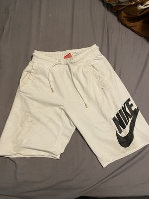 Nike fleece shorts small for Sale in Fresno, CA