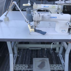 Juki Single Needle Industrial Sewing Machine Regular , Whit Clutch Motor 110 Volts for Sale in Los Angeles, CA