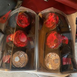 New 02-06 Escalade Aftermarket Tail Lights for Sale in Montgomery, IL