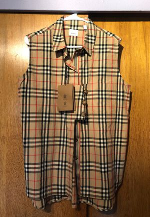 AUTHENTIC BURBERRY WOMENS SLEEVELESS SHIRT NWT SZ 14 for Sale in Parkland, WA
