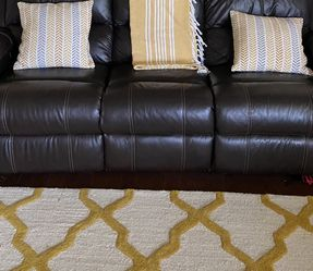 ASF LEATHER COUCH for Sale in Hendersonville,  TN