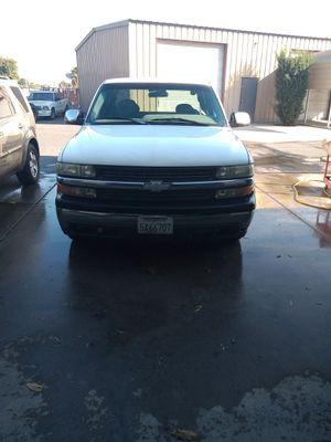 Chevy Silverado 1999 truck for Sale in Merced, CA