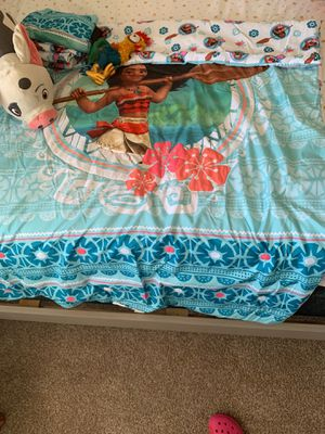 Moana toddler comforter sheet set for Sale in Fort Carson, CO