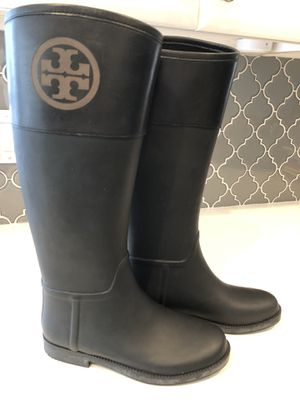 Tory Burch black leather rain boot - size 9 for Sale in Phoenix, AZ