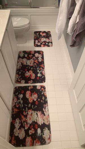 Bathroom mat bath rug roses for Sale in Leesburg, VA