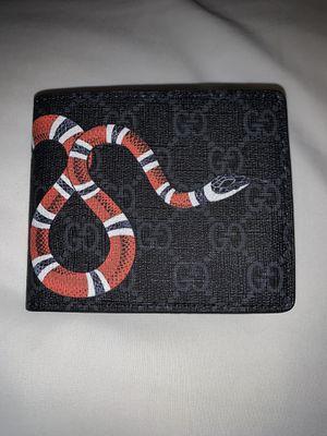Gucci men wallet black for Sale in Sacramento, CA
