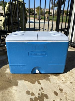Rubbermaid Ice Chest Cooler for Sale in Chino Hills, CA