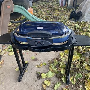 Coleman Portable Propane BBQ Grill for Sale in Kingsburg, CA