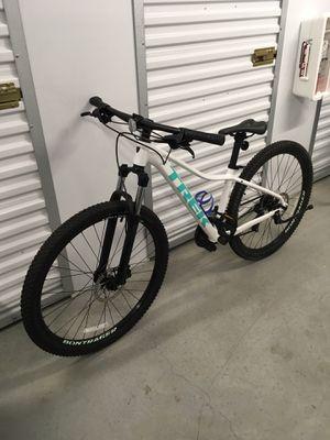Woman's Trek Mountain Bike 17.5 for Sale in Lutz, FL