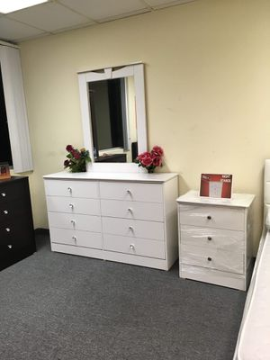 Bed Room Set for Sale in Santa Ana, CA