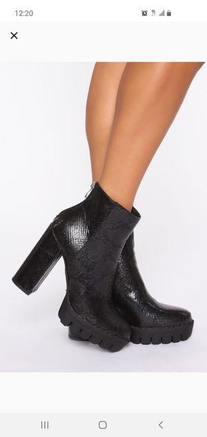 Fashion Nova Heeled boots (Size 11, runs small) for Sale in Tacoma, WA
