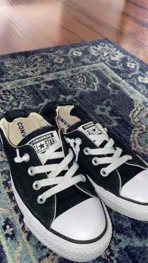 converse low tops size 7 women's for Sale in Dearborn, MI