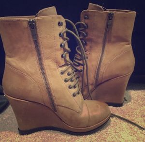Tan Vince Camuto boot wedges ! for Sale in Germantown, MD