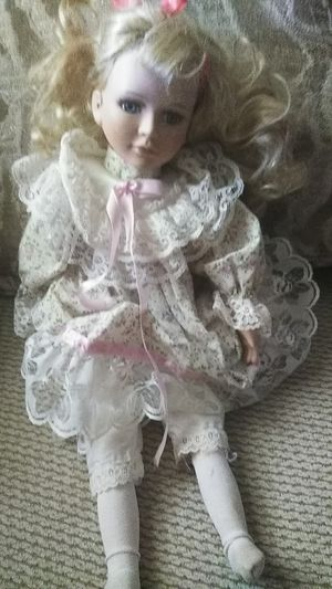 Of course Lynn antique doll for Sale in Fresno, CA