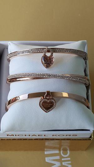 New Authentic Michael Kors Women's Rosegold Bracelets 🎁❤🎁❤🎁 for Sale in Montebello, CA