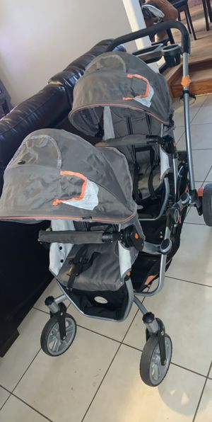 COUNTORS DOUBLE STROLLER for Sale in Charlotte, NC