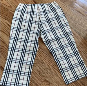 NEW BURBERRY CAPRIS for Sale in San Jose, CA