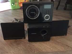 Brook stone I Design Wafer CD and Stereo receiver for Sale in Livonia, MI